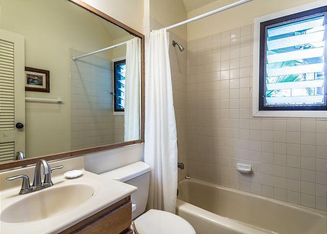 2nd Bathroom with Shower Tub