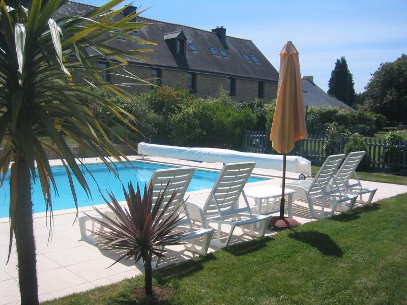 Keranmeriet Gites - 7 chalets avec piscine chauffée