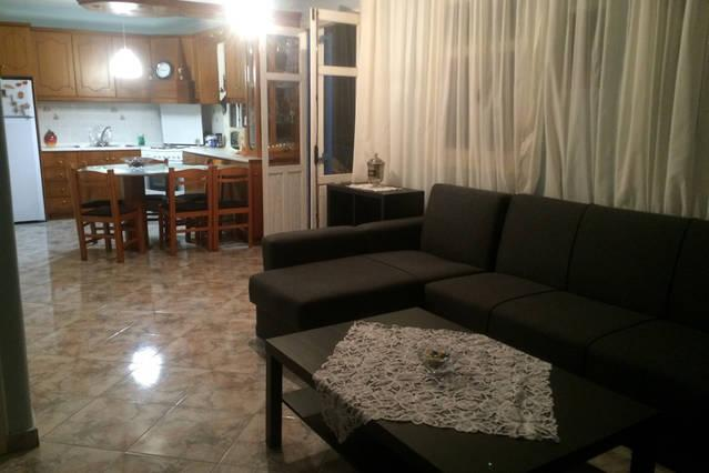 Menetes Sweet Home, vacation rental in Amoopi