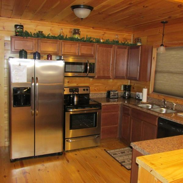 Well equipped kitchen with brand new full size appliances