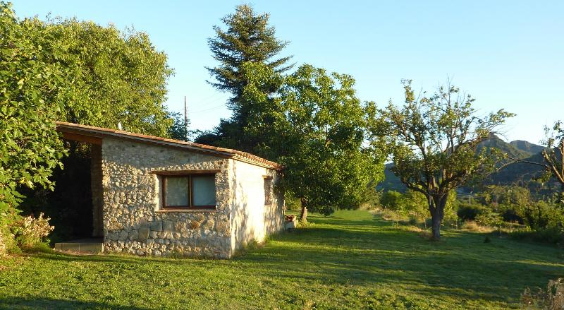 CAN DOU Antiguo Establo, holiday rental in Sant Esteve d'en Bas