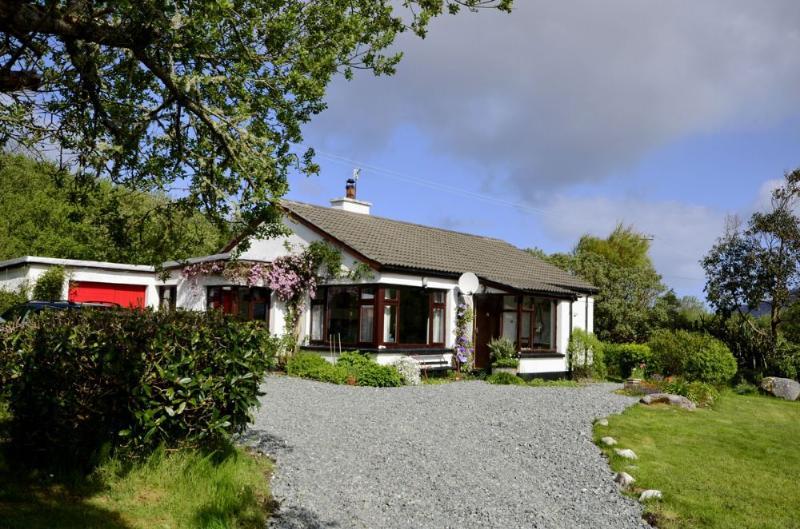 Cottage 152 - Moyard - Charming Cottage at Moyard, Clifden, Connemara, vacation rental in Moyard