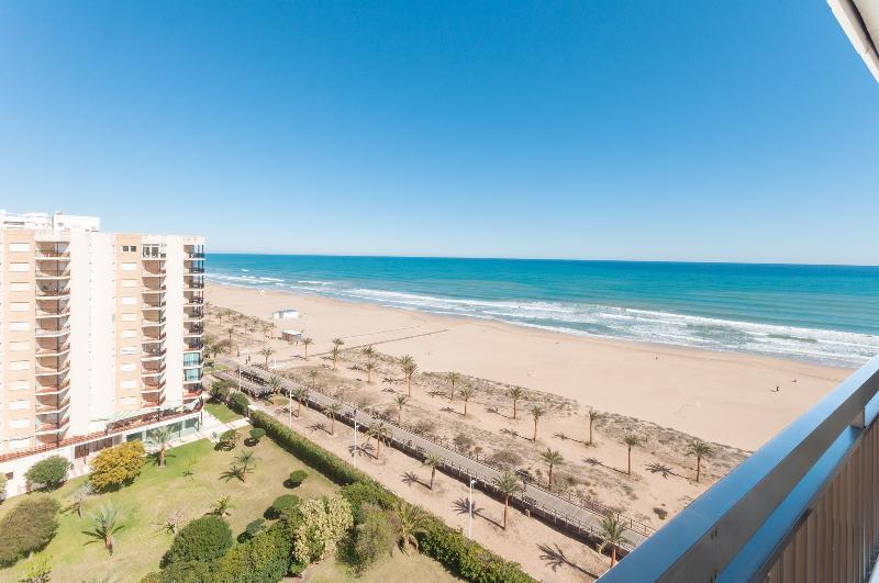 PROVENZA - Apartment for 6 people in Playa de Gandia, holiday rental in Grau de Gandia