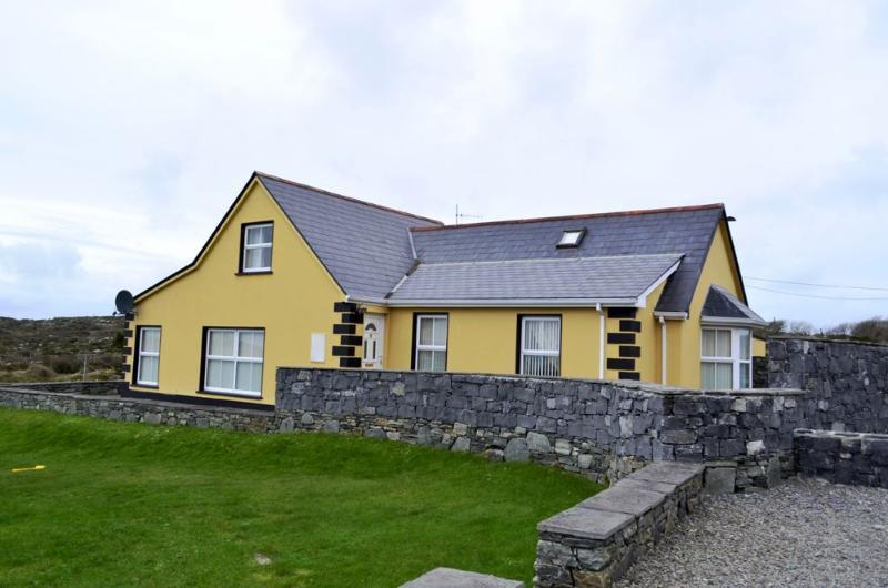 Cottage 207 - Ballyconneely - Cottage 207 Ballyconneely, holiday rental in Ballyconneely