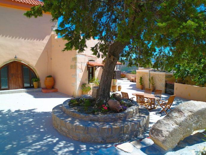 Villa Kastellion, holiday rental in Kakopetros