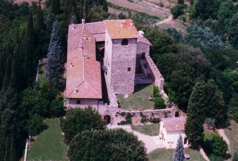 Castello di Mugnana, vista aerea