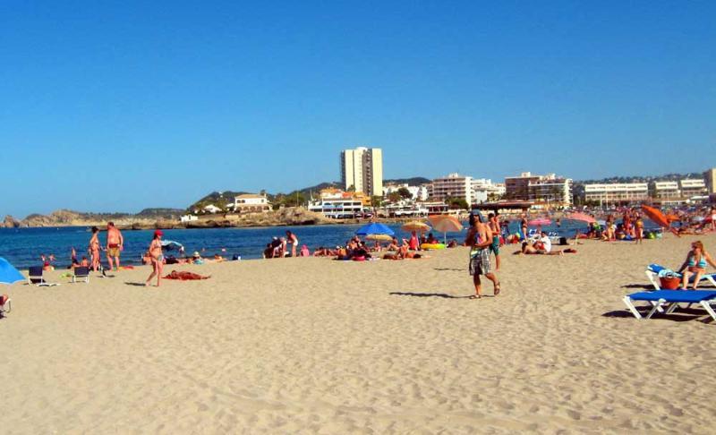 Playa de arena blanca