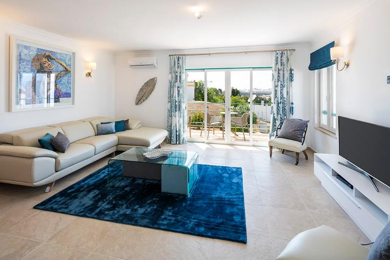 Apartment Luka - Lovely 3 bedroom apartment, walking distance to centre and beac, location de vacances à Ferragudo