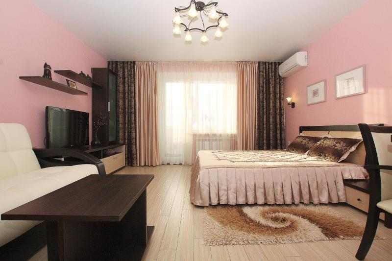 Альт-Отель апартаменты (Alt apartments), 000362, holiday rental in Urals District