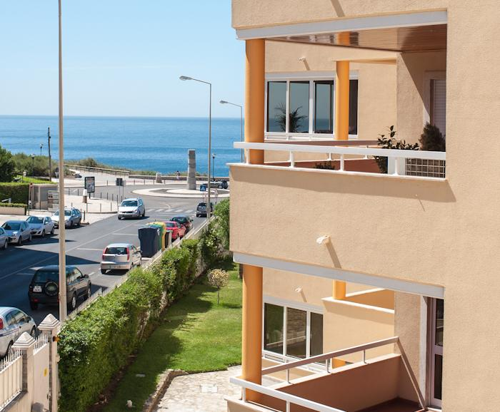 Modern & Spacious apartment with pool, holiday rental in Cascais
