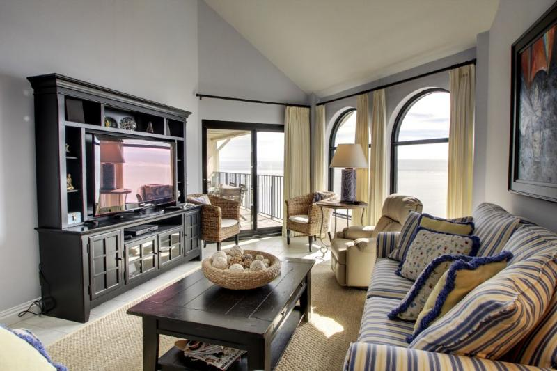 Relax in the living room and unwind !
