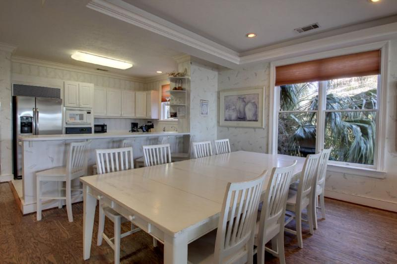 Dining Area with room for all