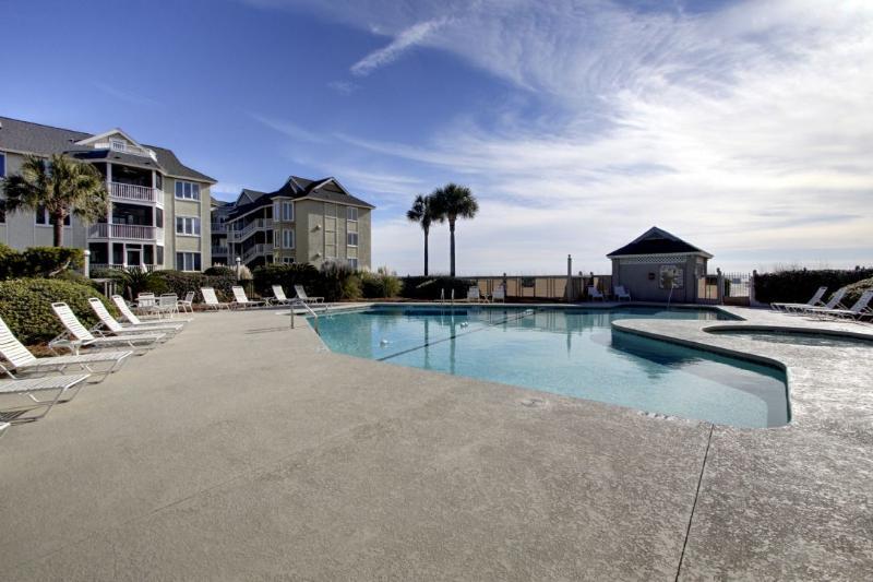 Fantastic Pool, Ocean Front at Tidewater!
