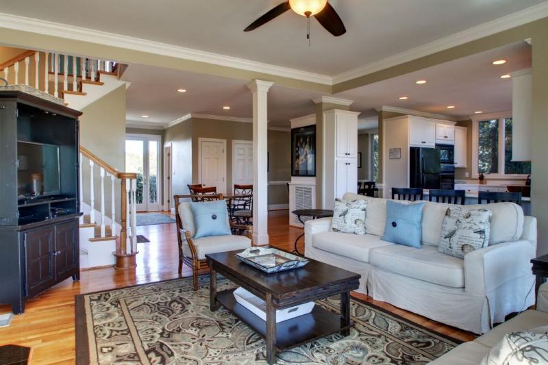 Newly Upgraded Living Room Furishings