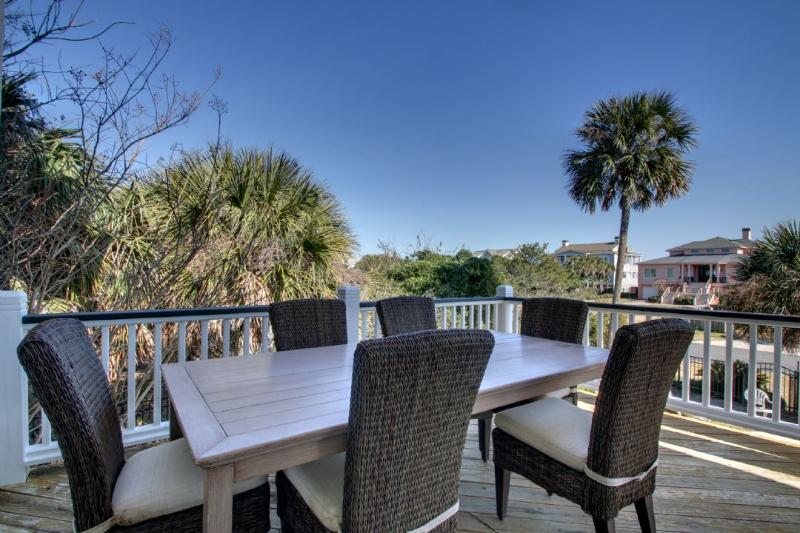 Enjoy a casual dinner in your outdoor dining area