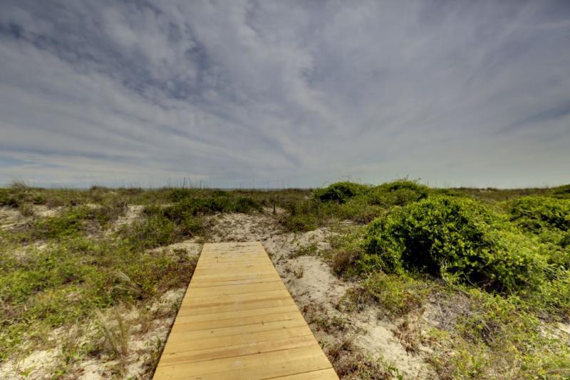 Beach Private Walk Way!