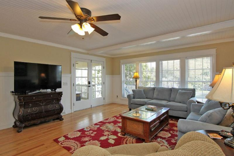 Wonderful Living Area, With Large Screen TV