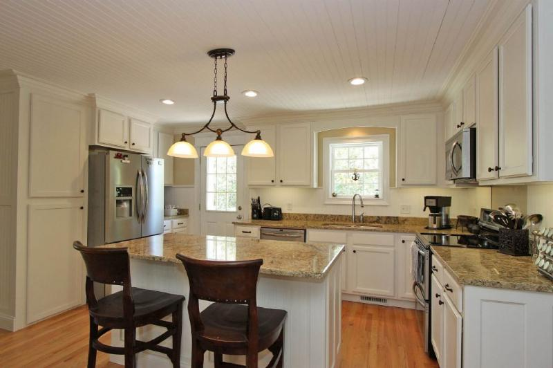 Newly Renovated Kitchen, Granite and Stainless