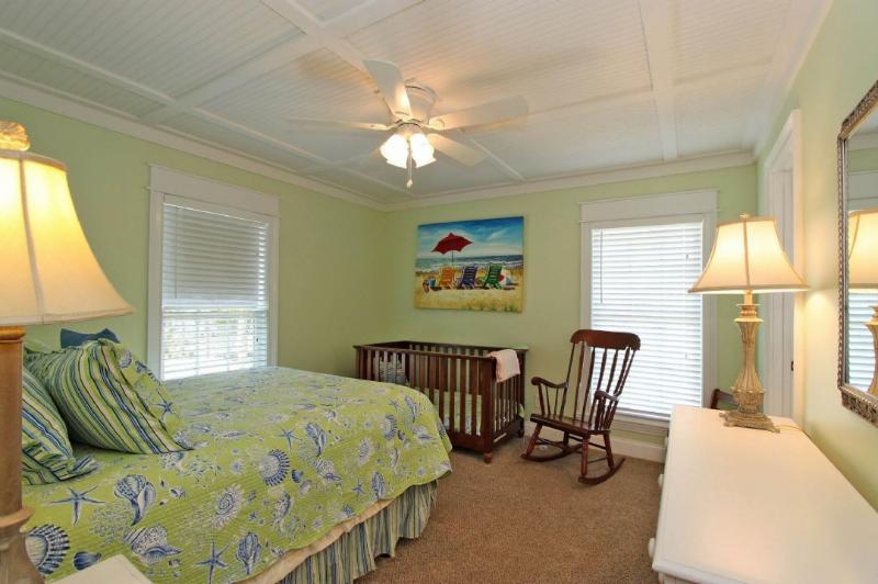 Guest Bedroom Featuring a Queen Bed