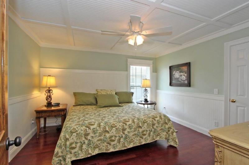 Chambre à coucher principale king avec salle de bain privée, 2e niveau