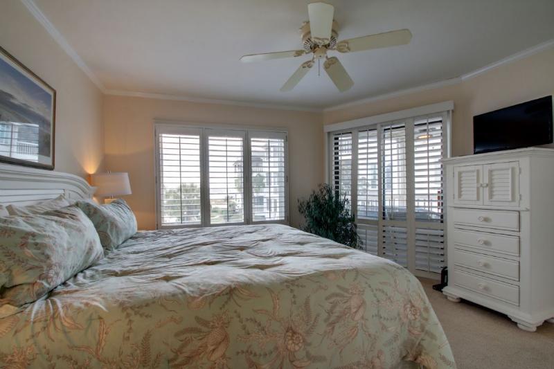 Master Bedroom, Ocean Views