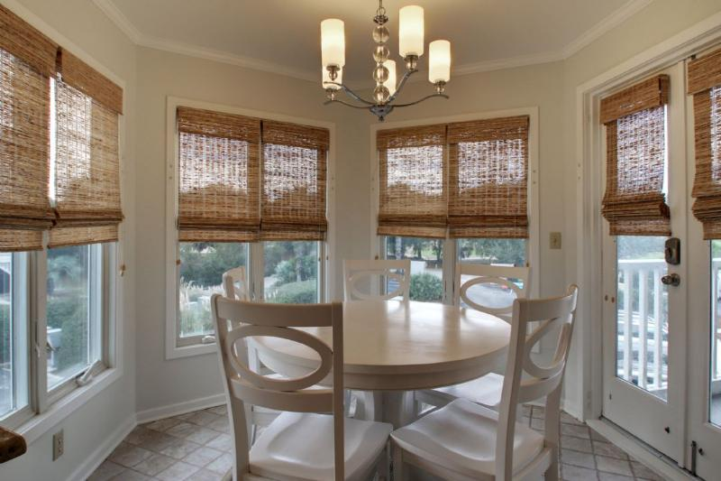 Dining Area, Perfect for Your Entire Family!