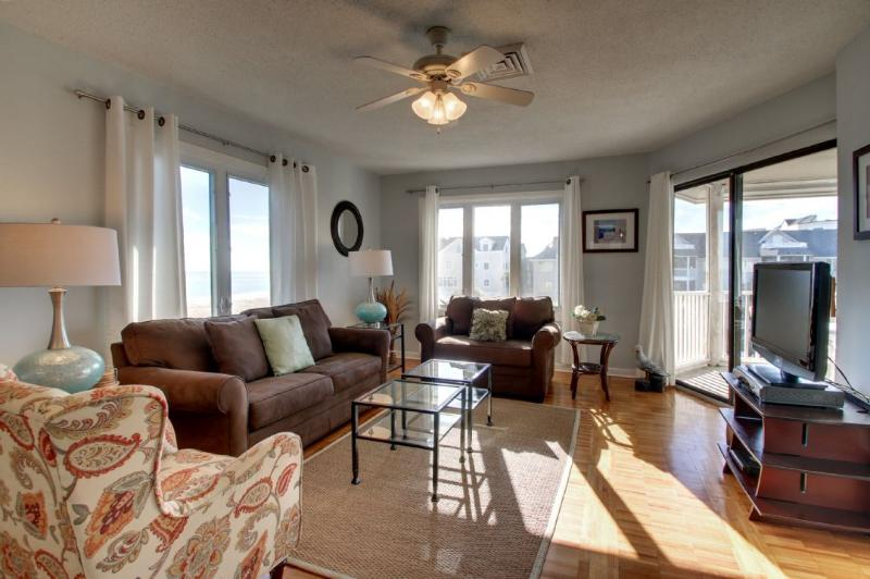 Comfortable Living Area with Oceanfront Views!