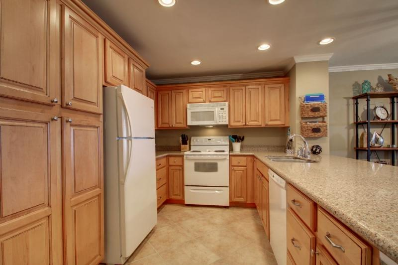 Nicely Furnished and Equipped Kitchen!
