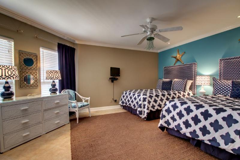 Guest Bedroom, Two Full Beds