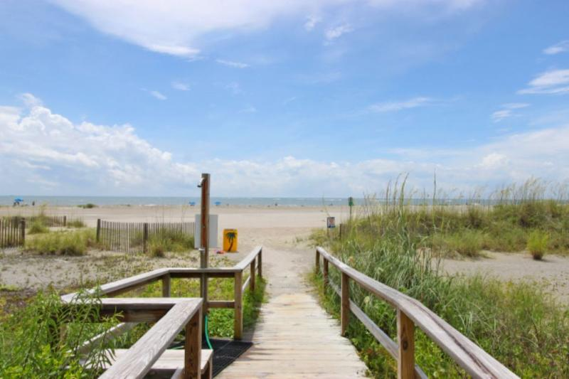 Summerhouse Beach Path, with Beach Shower