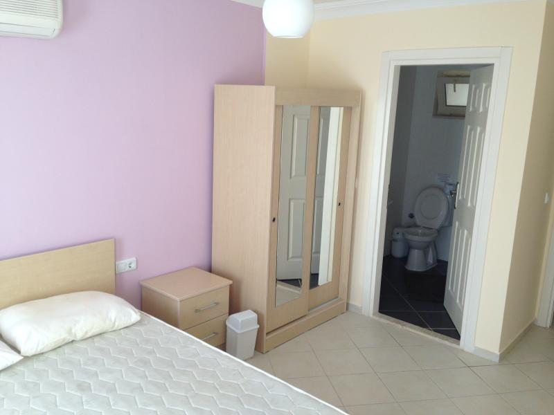 Bedroom 1 + en suite
