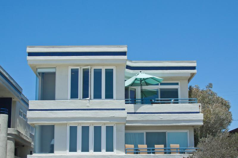 Ocean Front Penthouse  Great  rates for an Ocean Front property!, vacation rental in San Diego
