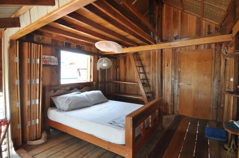Beach House - Island View room (sleeps 2-4), vacation rental in Sihanoukville