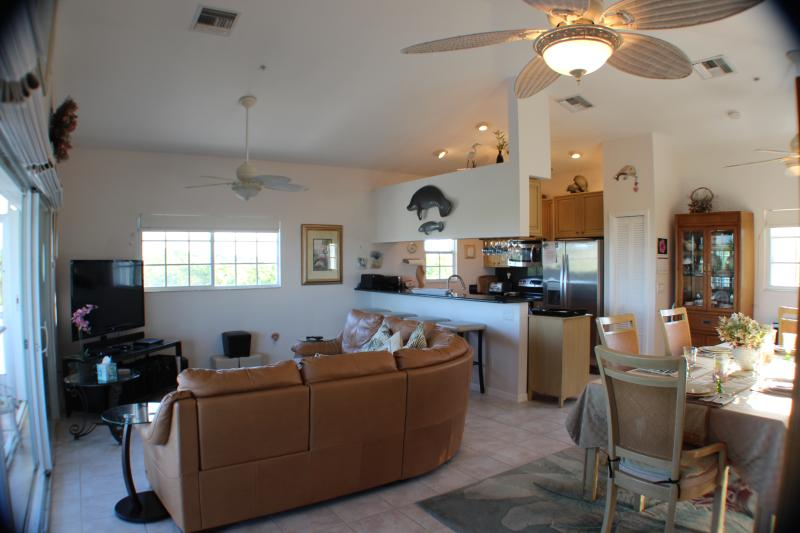 Living room, kitchen and main dining area.