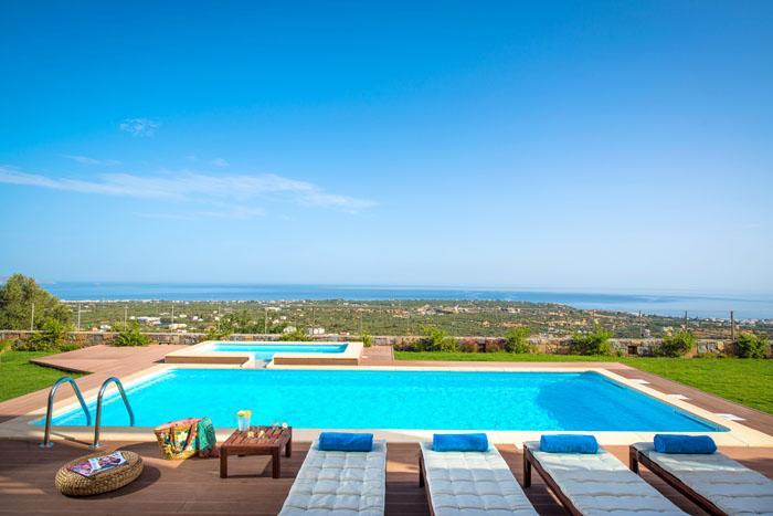 Villa Carobee, holiday rental in Kasteli
