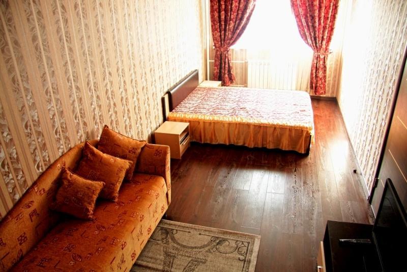 Квартирный  отель  на  Ситникова, holiday rental in Balashikha