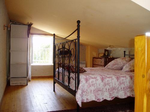 Keirmasi Gites Dordogne- Singa Studio, holiday rental in Les Salles-De-Castillon