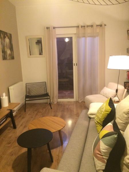 MAISON DE CHARME ATYPIQUE TYPE 3 CENTRE VILLE, vacation rental in Prat-de-Cest