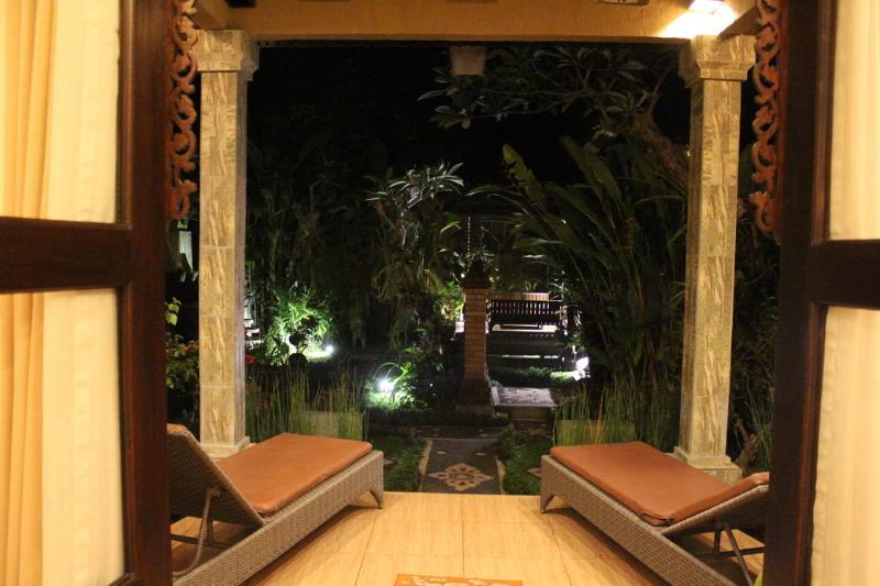 La nuit sur le porche