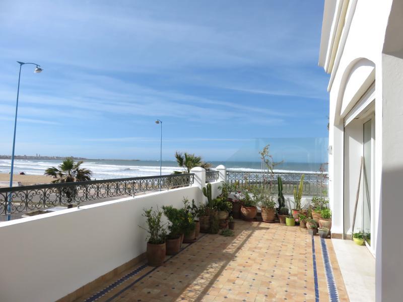 la terrasse  avec vue sur l'ocean