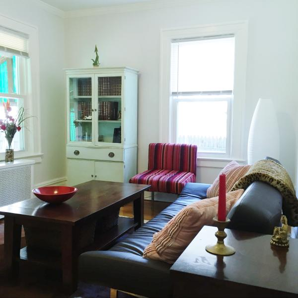 Private Cozy Clean Whole One Bedroom Apartment, holiday rental in Cambria Heights