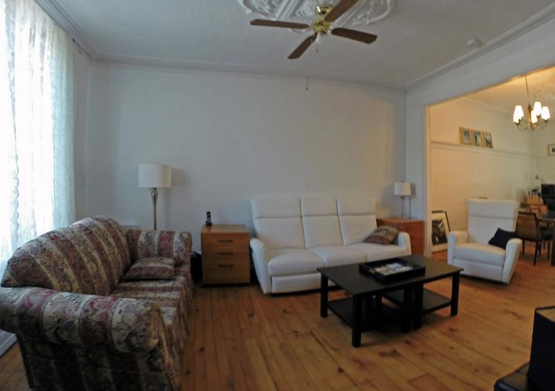 Large Living room / Grand salon