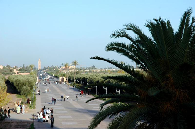 Koutoubia, entrada para o Medina. 30 minutos a pé ou 10 minutos de táxi.