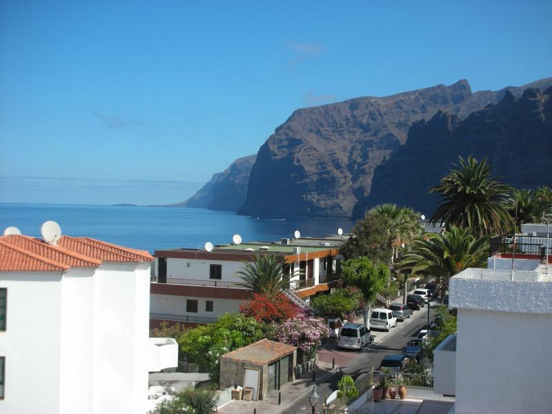 View of the Giant Cliffs & Sea from the terrace