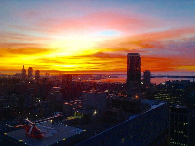 Good Morning Toronto!!! Can you imagine starting your day with such a spectacular sunrise!