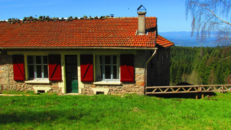 Les Paddocks - Chambres d'hôtes - Vollore Montagne, vacation rental in Thiers City