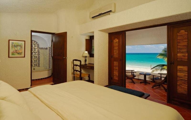 Ocean Front Master Suite with Private Pool, holiday rental in Playa Maroma