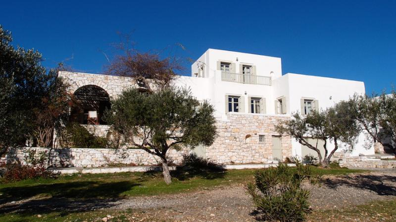 Paros☺Naoussa☺Stylish country house for 8☺Calm ☺sea view Privacy& fun day/night, holiday rental in Isterni
