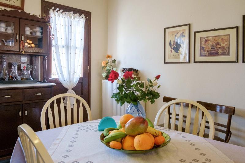 Eva's cozy home in Kissamos, holiday rental in Kaliviani