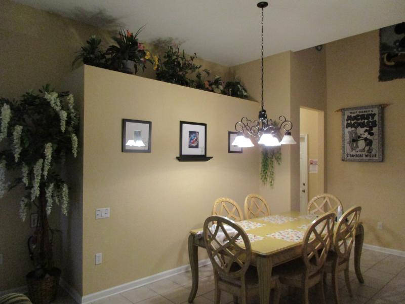 Dining room Area - Seats 6